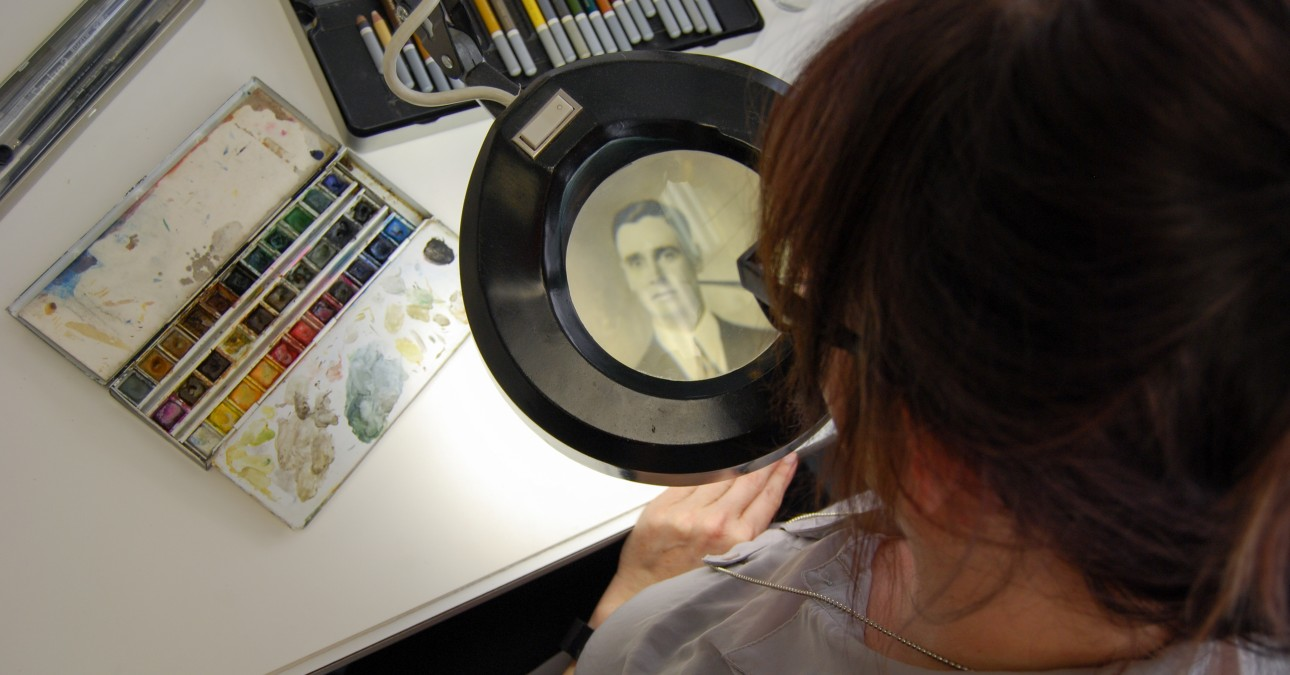 Inpainting a photograph with a magnifier